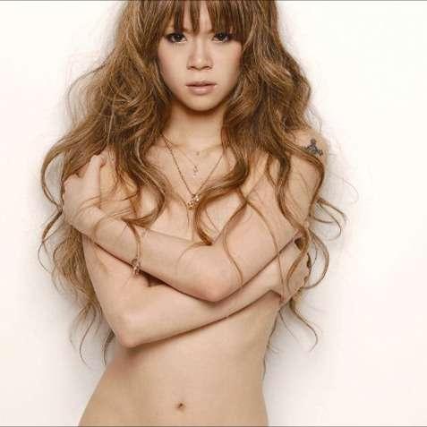 「消えた歌姫」小柳ゆき、初グラビアでセミヌード披露のナゼ - メンズサイゾー