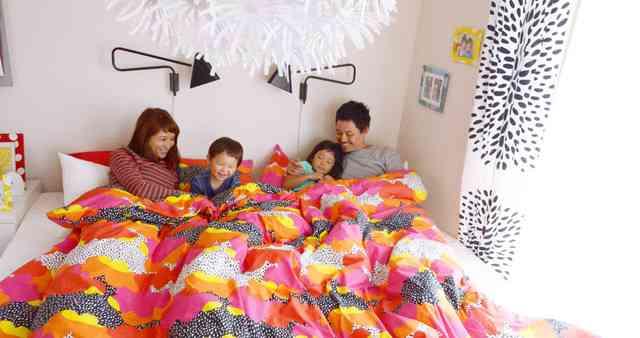 IKEAの広告「親子4人で川の字になって寝るのがずっと夢でした。」