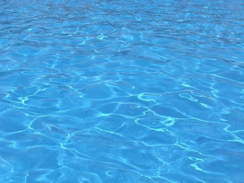 保育園で救命胴衣なしで手作りイカダで川下りイベント、死亡の園児は唯一泳げず