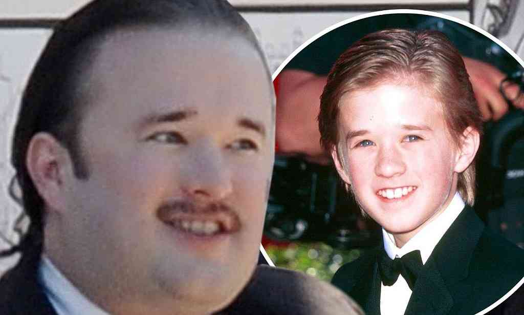 Sixth Sense's Haley Joel Osment films scenes as Nazi for Yoga Hosers | Mail Online
