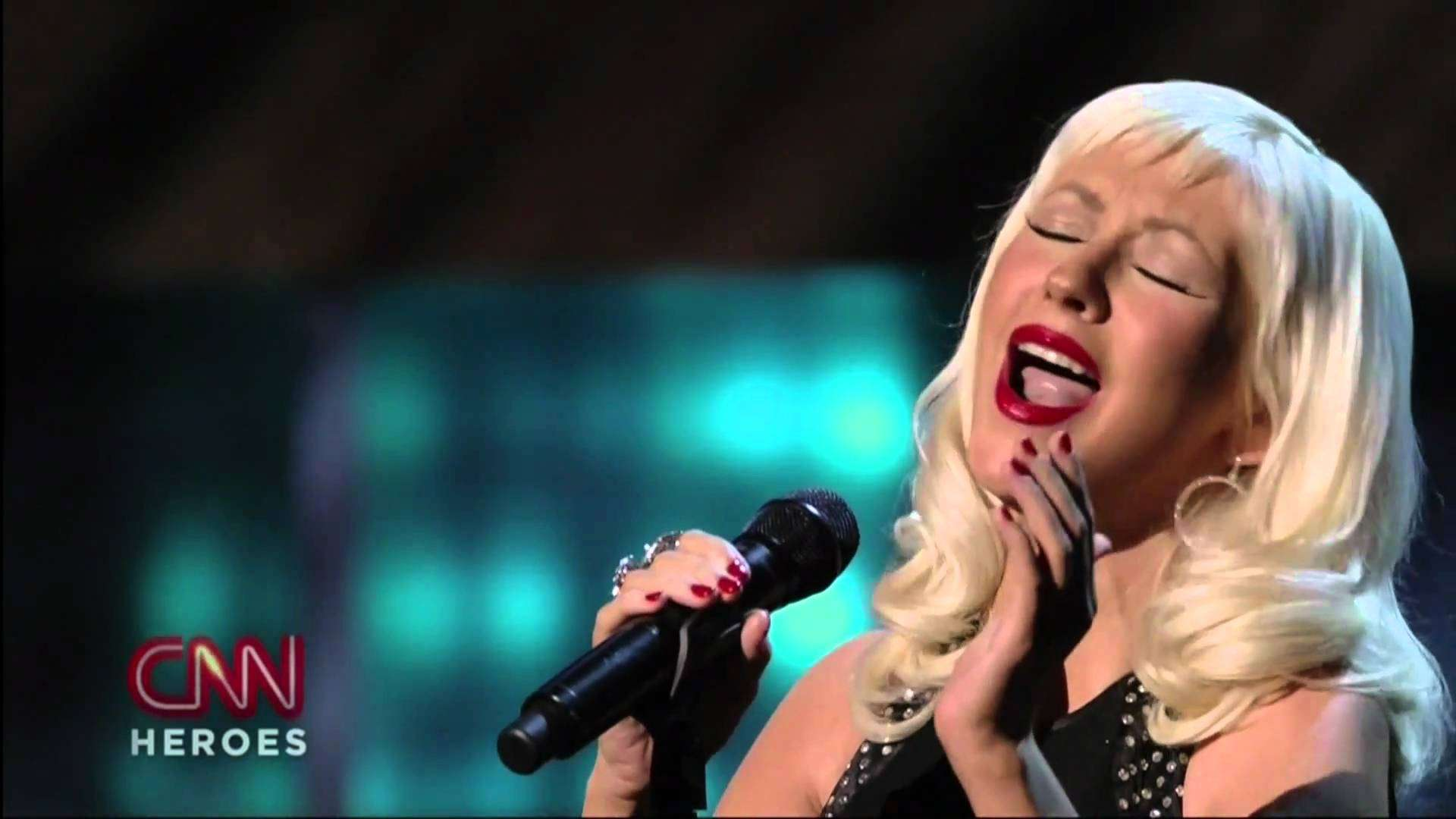 Christina Aguilera - Beautiful [Live] (CNN Heroes) High Definition - YouTube
