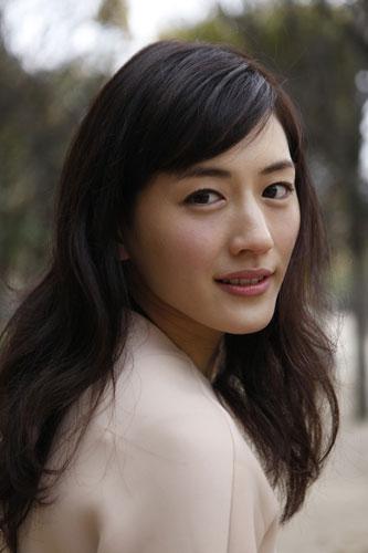 綾瀬はるか、ドラマで「30歳処女」に挑戦