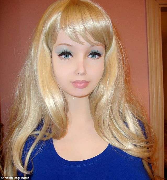 ウクライナに再びリアルバービー現る… 16歳の少女「整形したことがない」と主張