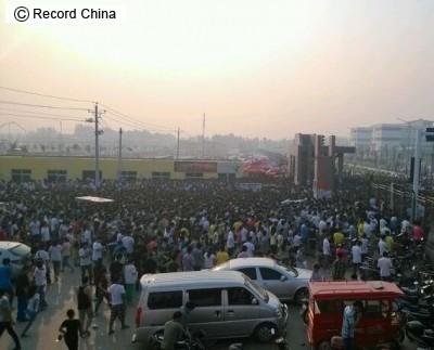 iPhone組み立ての中国工場、「6」生産へ従業員10万人を新たに...:レコードチャイナ
