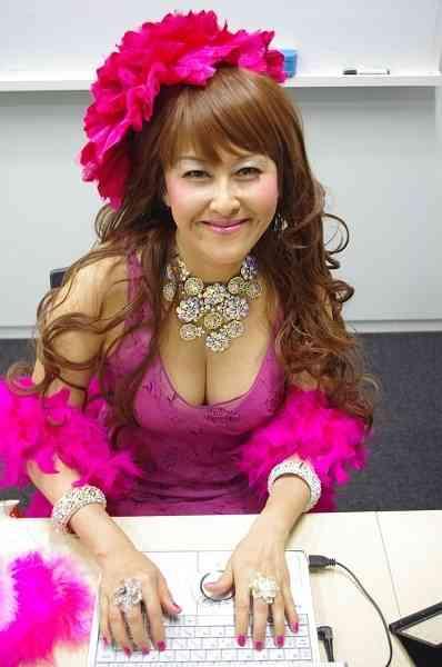 岡本夏生が「私は枕営業の女王」などと、下ネタで大暴走!