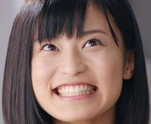 小島瑠璃子にライバル心を燃やす菊地亜美が生放送で「私ほんとにノンスキャンダルなんで!」とアピール