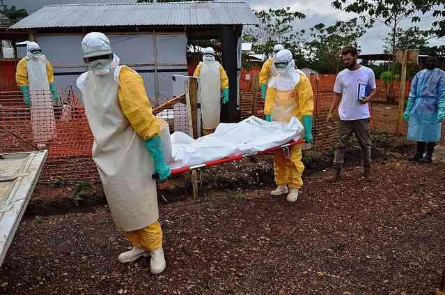 エボラ隔離施設を襲撃、リベリアの患者20人逃走