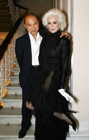 今なお輝く!82歳現役モデル、カルメン・デロリフィチェの美しさの秘密