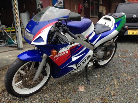 盗んだバイクをヤフオクに出品→被害者が落札→警察連れて受取場所へ→逮捕