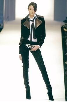 本当にスタイルが良いモデルさんの画像を貼ってくトピ