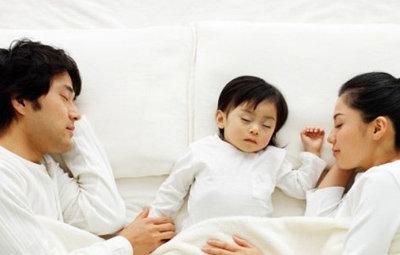 IKEAの広告「親子4人で川の字になって寝るのがずっと夢でした。」 : はちま起稿