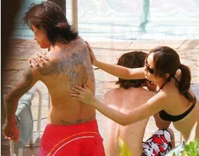 矢田亜希子、風呂上り写真公開!35歳ぴかぴかの素肌!