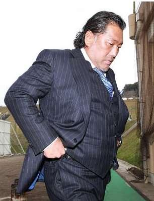 清原和博、妻が出て行き自宅がゴミ屋敷化  銀座ママ宅に入り浸り