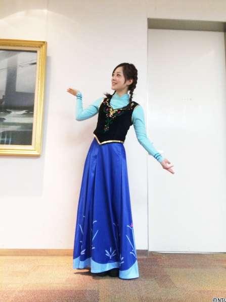 水卜麻美アナ、「アナと雪の女王」コスプレを公開! あれちょっと痩せた?