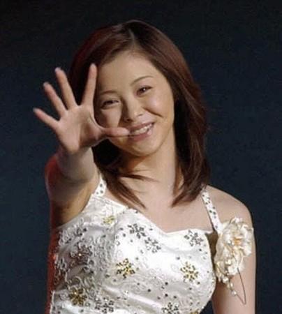 松浦亜弥の妊娠発表 元モー娘。から祝福の声続々 (デイリースポーツ) - Yahoo!ニュース