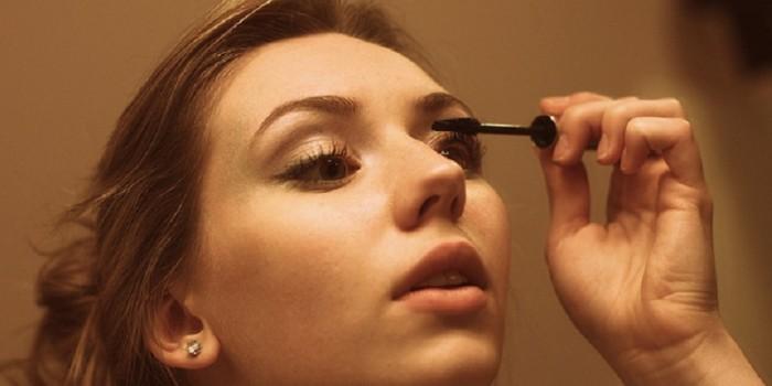 雑菌に注意!女性の70%が使用期限を過ぎたマスカラを使用しているとの調査結果