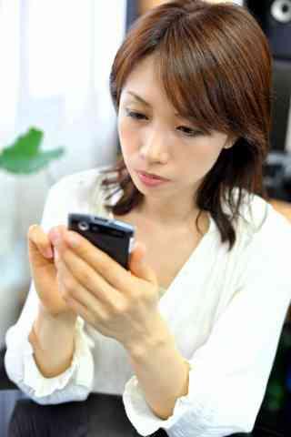 【恋人同士で】人の携帯を見るなんて最低、っていうけど本当に最低?