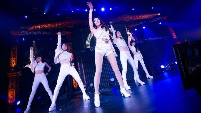 【ライブレポート】BoA、約4年半ぶりのツアー開幕。終始「BoAちゃん、イェイイェイ! 一緒に」の盛り上がり | BoA | BARKS音楽ニュース
