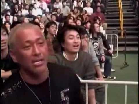 舞台裏 三崎vs秋山 やれんのか - YouTube
