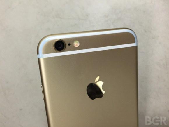 iPhone6/6 Plusはジーンズに入れるべからず?色移りの報告あり