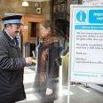 英国の駅が出没する幽霊対応係を雇用 幽霊の検札や乗車指導など