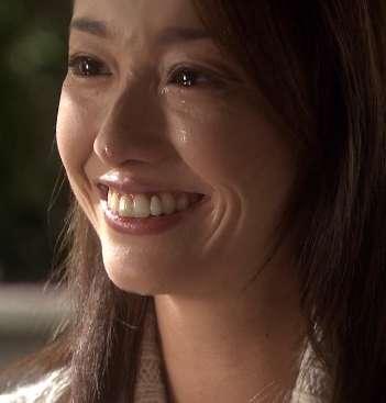 沢尻エリカ、肉まんを持って笑顔!「可愛さ別格」と話題