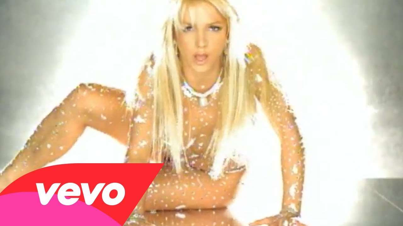 Britney Spears - Toxic - YouTube