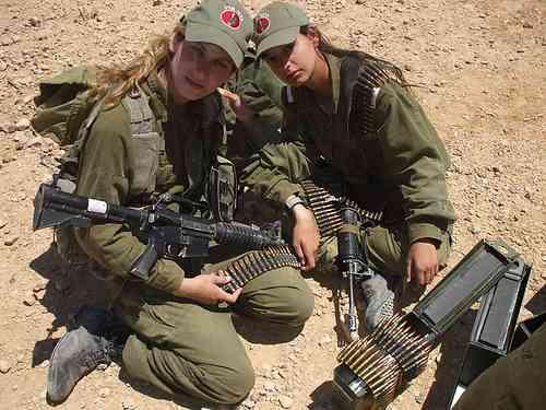 タリバンに射殺された息子の母親、嫁と娘を連れて仕返し 7時間の激戦で25人射殺