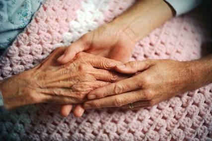 看護師が明かす「人が死ぬ間際に最も後悔する5つのこと」…「自分に正直に生きれば良かった」