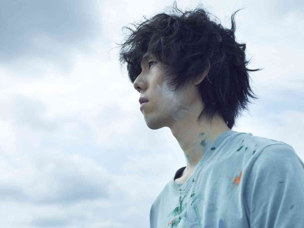 RADWIMPS野田洋次郎、俳優デビューで映画初主演!手塚治虫の病床日記から生まれた感動作 - シネマトゥデイ