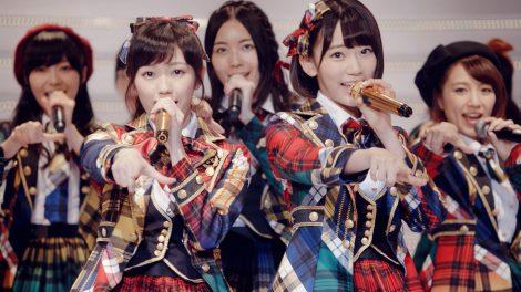 AKB48新曲MVで歴代センターリレー OG前田・大島・篠田・板野が走る!