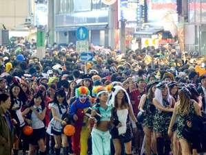 渋谷のハロウィンで2人を逮捕!少女を触った疑いの40代男、警察官を殴った少年…