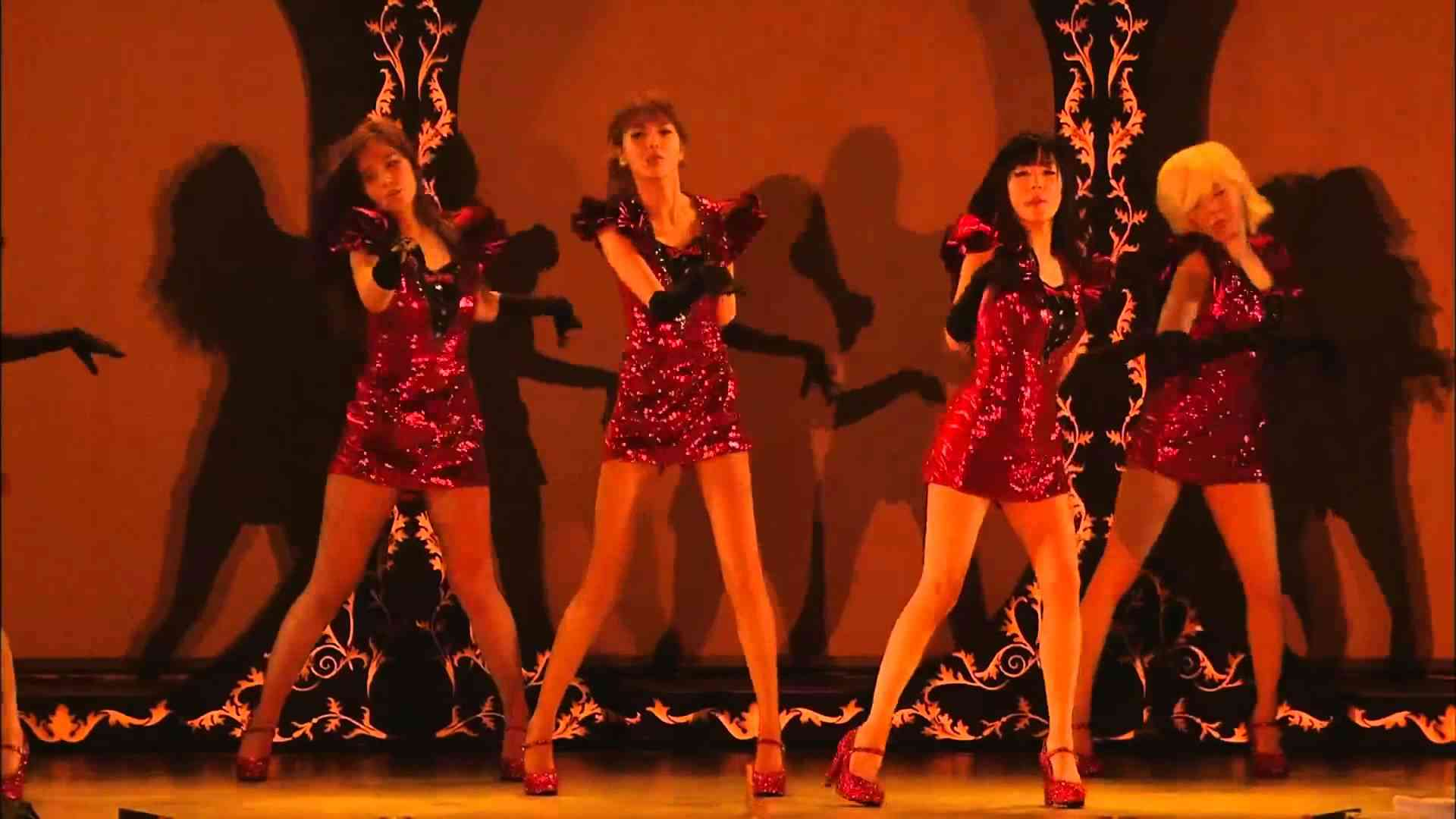 SNSD - RUN DEVIL RUN - 2nd Japan Tour [1080p] - YouTube