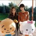 板野友美と篠田麻里子の珍しいツーショット。「たのしかったー。久々の再会」と笑顔。