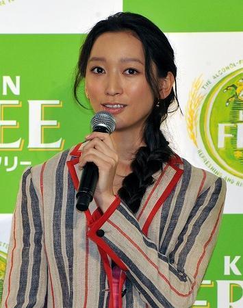 杏と父・渡辺謙の関係は微笑ましくない? 実母の借金トラブルが原因か