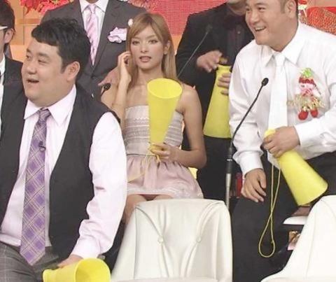 【放送事故】ローラが「ガキ使笑ってはいけない2014」でパンチラ ネット民大興奮
