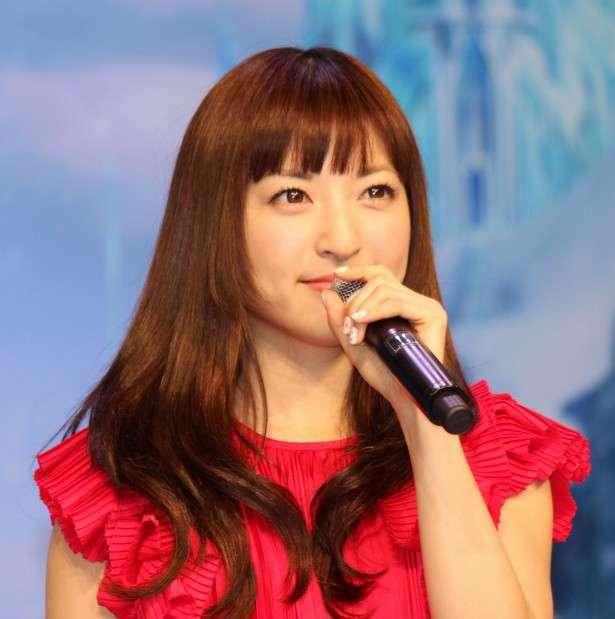 紅白 出演者全員で「アナ雪」メドレー 神田沙也加、イディナ・メンゼルはNYから