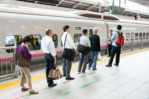 【在日華人の疑問】日本人はなぜ列に並ぶことができるの?
