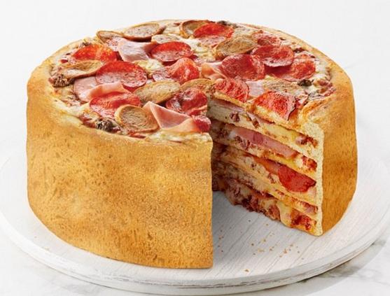 イタリア人も驚愕!ピザ好きが、ピザ好きのために考案したピザケーキがすごい。