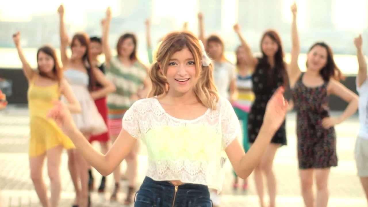 "Rola(ローラ) ""Call Me Maybe"" from TOKYO - YouTube"