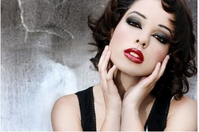 化粧なんて見てない?「 女の若さ」に対する男の本音