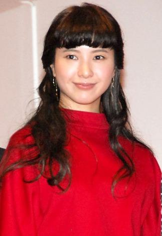 【紅白リハ】吉高由里子、記者にかみつく「頑張っていますよ!」   ORICON STYLE