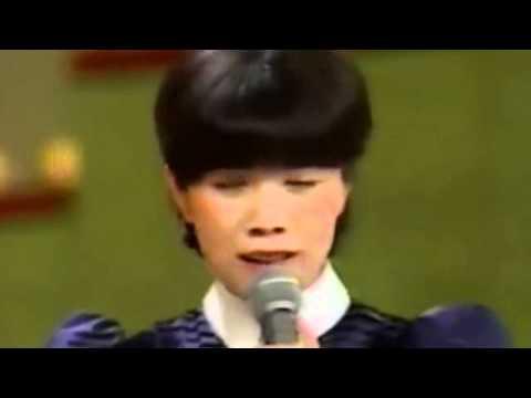 みずいろの雨  森昌子 Mori Masako - YouTube