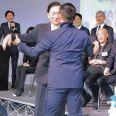 鳩山由紀夫元首相、ミュージカルで男性とキスシーン…女装出歩きまで告白