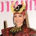 """ミス・ユニバース日本代表、世界に挑む""""甲冑姿""""お披露目"""