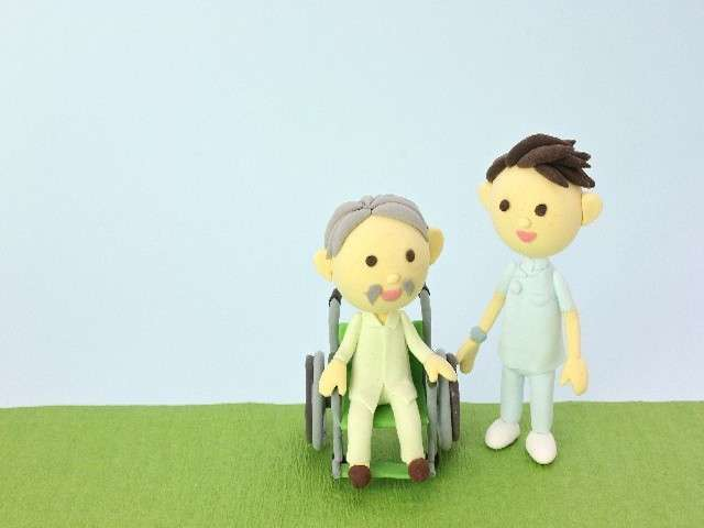 介護報酬、2.27%減額で最終調整…在宅介護への移行を促す