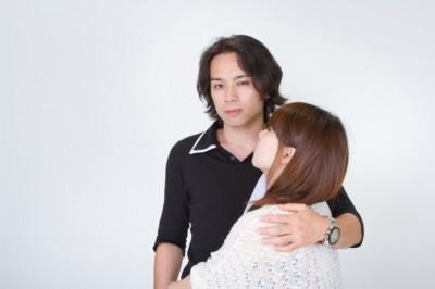 ハードルの低さにガッカリ……。男性が女友だちと肩を組むときの気持ち⇒「ただのスキンシップ:35.0%」   「マイナビウーマン」