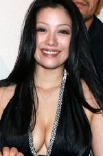 小向美奈子容疑者を覚せい剤の所持容疑で現行犯逮捕-4年ぶり3回目 | ニュース速報Japan