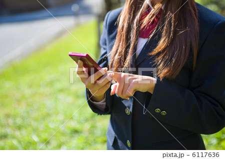 女子高生、スマホ1日7時間=15時間以上も1割―民間調査