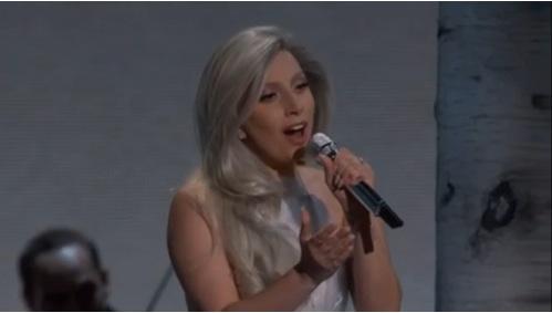 レディ・ガガがアカデミー賞で披露した「サウンド・オブ・ミュージック」が素晴らしすぎる - AOLニュース